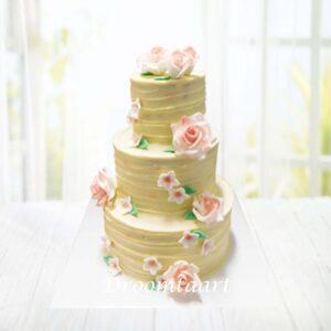 Droomtaart Bruidstaart botercreme met rozen 4