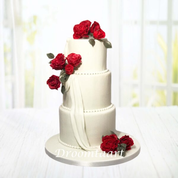 Droomtaart Bruidstaart echte rode rozen