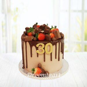 Droomtaart Drip cake aardbeien en chocola