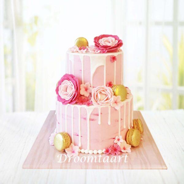 Drip cake macarons en bloemen