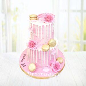 Droomtaart Drip cake macarons en rozen