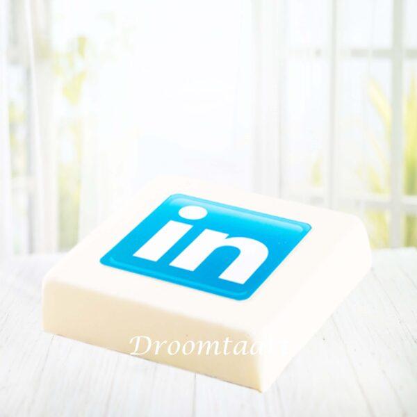 Droomtaart Marsepein taart met logo
