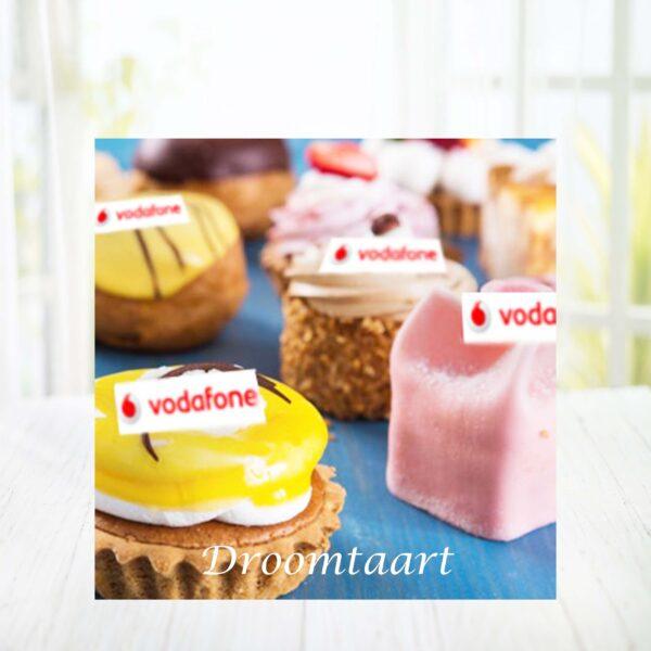Droomtaart Gesorteerd gebak met logo