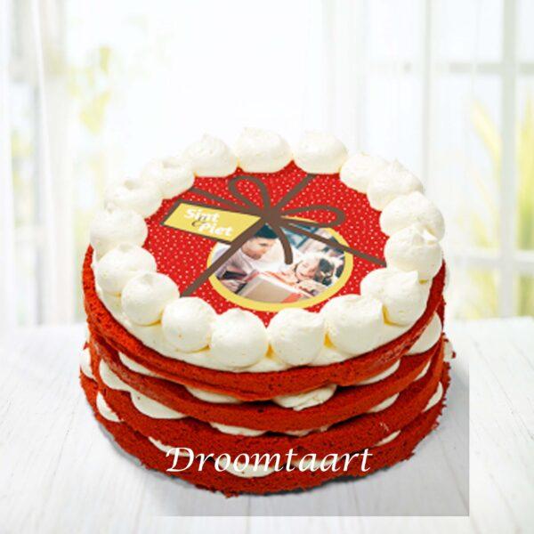 Sinterklaas red velvet cake